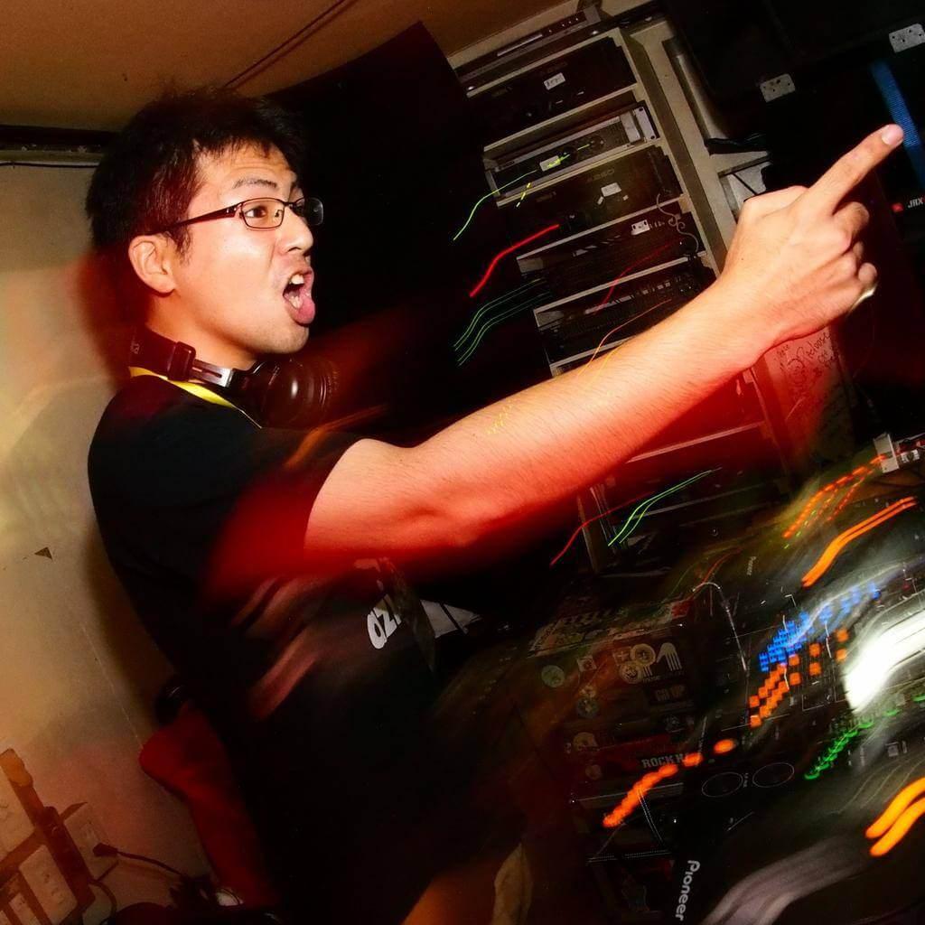 DJ アジフライ